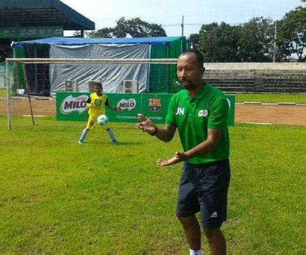 Berita Bola | Cerita Uston Nawawi, Tiga Kali Rasakan Kompetisi Dihentikan.