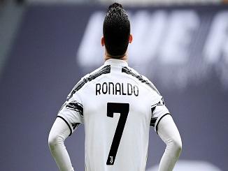 Berita Bola - Ronaldo Pukul Tembok Usai Laga Juventus vs Genoa.